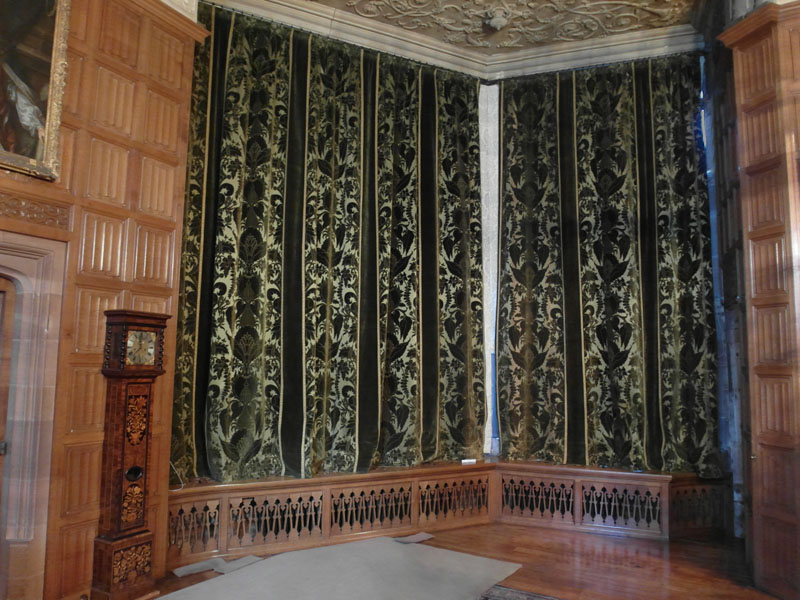 The curtain reinstated after treatment.