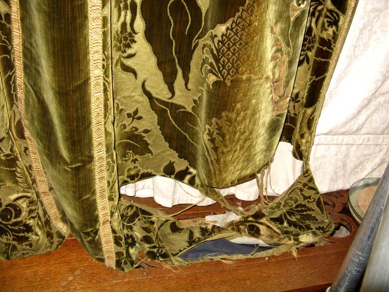 Detail of the damaged velvet