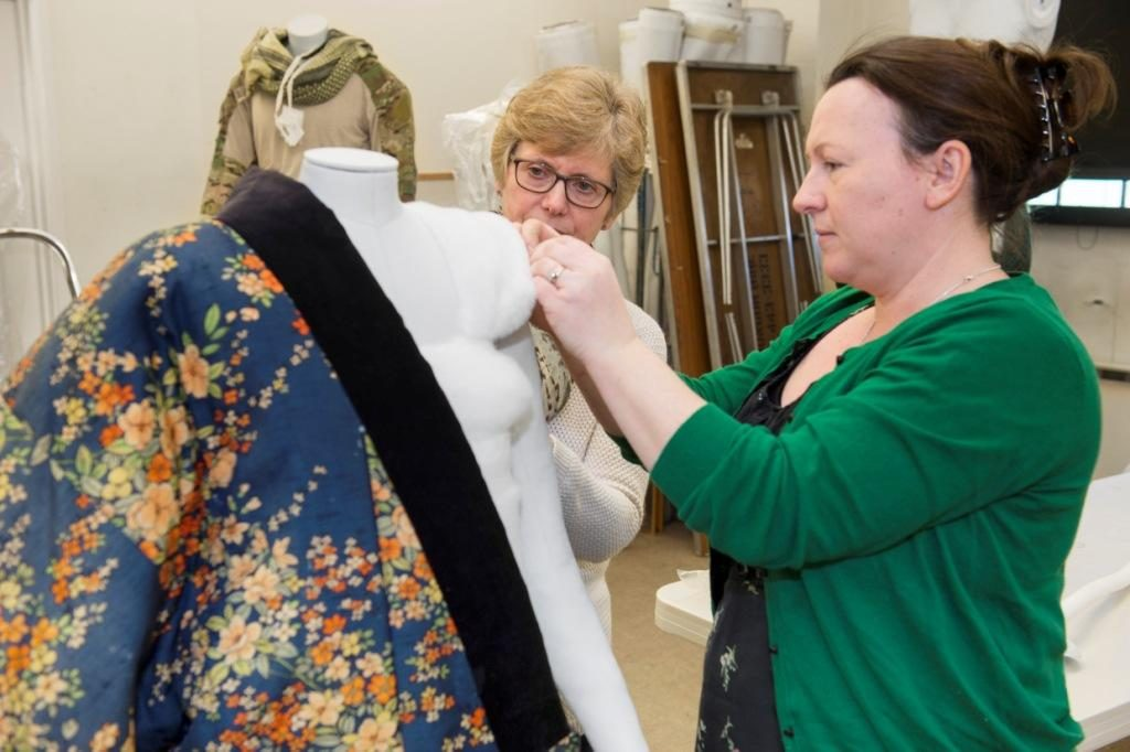 Working with the team at Duxford also involved the collaboration and supervision of volunteers to help with the costume mounting, a crucial part of the Museum's team. It would not have been possible to mount the 81 mannequins in such a short space of time without them!