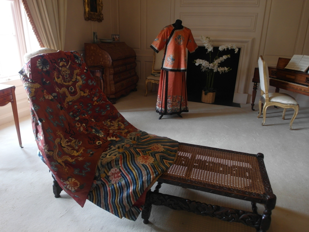 4. Embroidered silk robe, skirt & shirt on display, AC_web